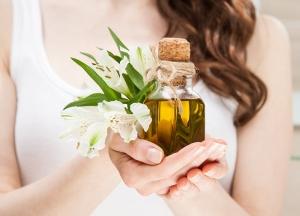 Масло для укрепления волос: особенности выбора
