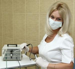 Лечение Сургитроном эрозии шейки матки: особенности проведения процедуры