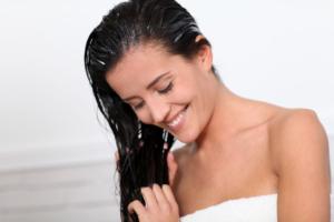 Как пользоваться базовыми и эфирными маслами для волос?