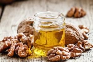 Масло грецкого ореха для волос: длительность применения и эффект