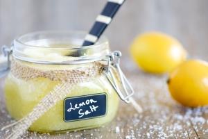 Яблочный и другие натуральные скрабы для лица: рецепт лимонного