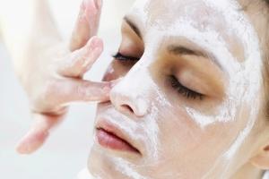 Пилинг с кислотами: рецепт аспириновой маски