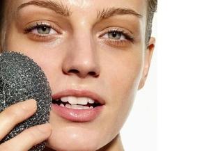 Пилинг для сухой кожи лица: особенности ухода