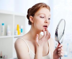 Лазерный пилинг кожи лица: возможные осложнения
