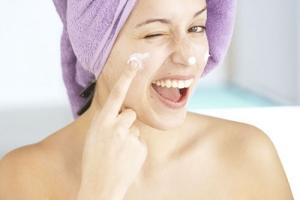 Пилинг Хилаком-Форте: постпилинговый уход за кожей лица