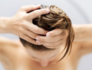 Как использовать касторовое масло для волос: рецепт для укрепления