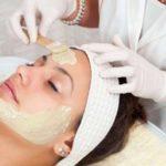 Процедура пилинга кожи лица: этапы и инструкция по применению, как часто и когда проводят, сколько раз делают, противопоказания