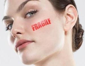 Процедура пилинга кожи лица: противопоказания и меры предосторожности